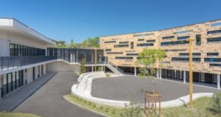 A clean-energy school in southern France draws power from the sun